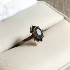Size 3.5 silver ring light purple gray stone